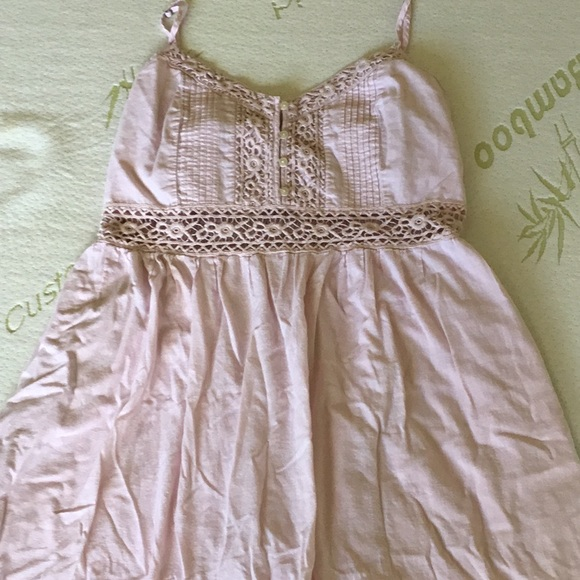 Abercrombie & Fitch Dresses & Skirts - Light pink dress